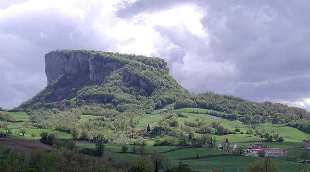 Pietra di bismantova castelnovo monti