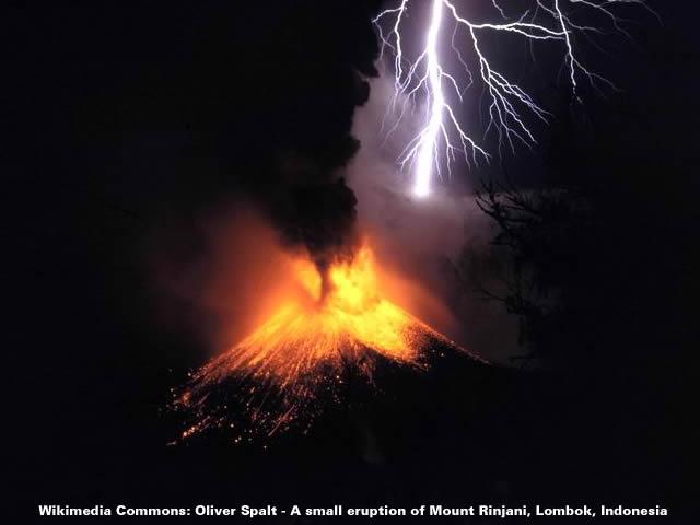 Volcanic Lightning - Rinjani 1994