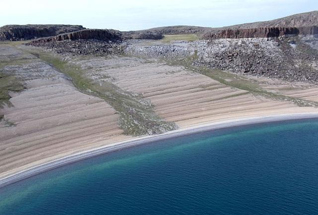 Raised beaches - Bathurst Inlet - Nunavut - Canada