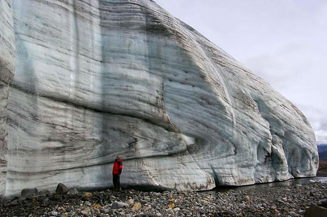 Crusoe Glacier - Axel Heiberg Island - Canada