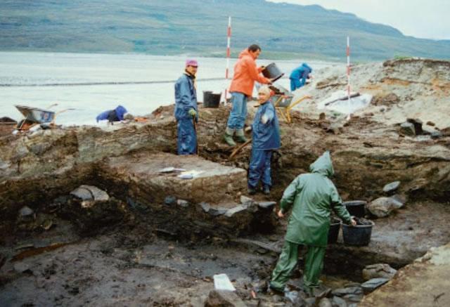 Excavations at the GUS (Gården Under Sandet) Site