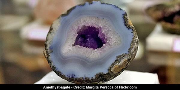 Agate Cavity