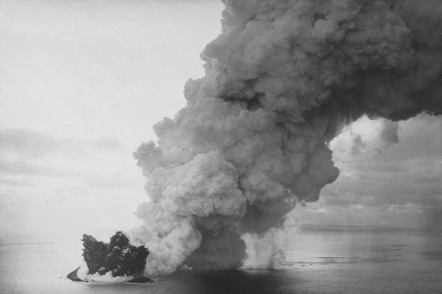 Surtsey_eruption